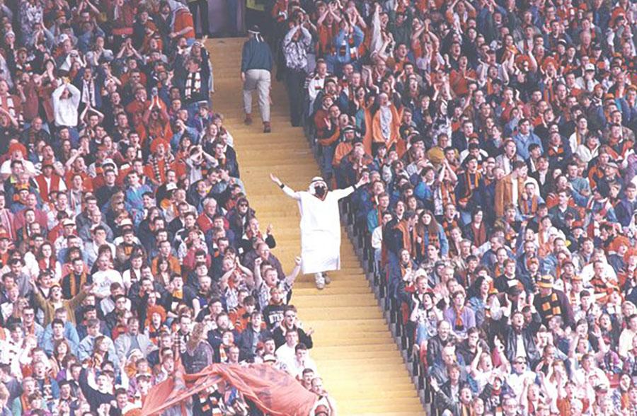 Arabski folklor na stadionie Dundee